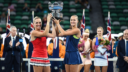 Winst in Melbourne, Grand Slam, dubbelspel met Kristina Mladenovic.