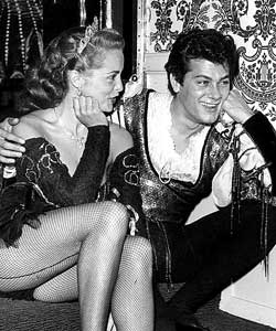 Tony Curtis met Janet Leigh