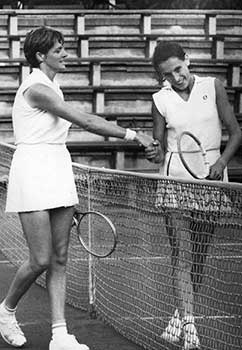 Éva en Margaret Court in 1973...